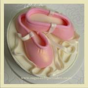 ballet slipper fondant cake topper 2